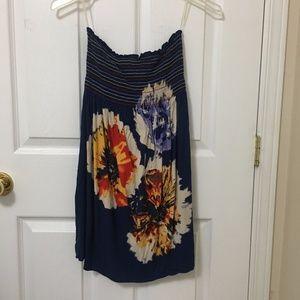 ⭐️2/$20 Forever 21 Blue Floral Strapless Dress